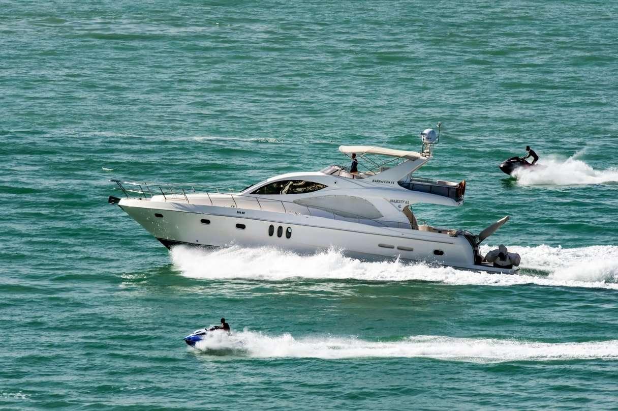Custom Cruise Miami