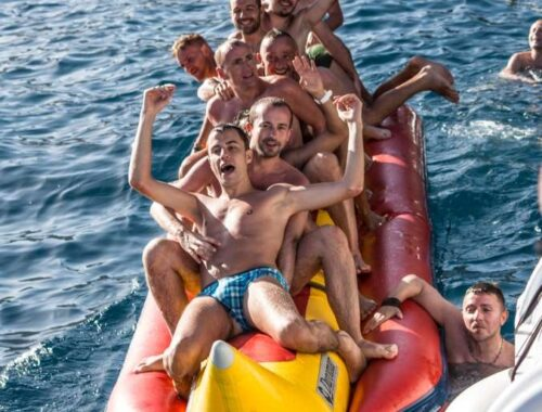 Throw Your Friend a Bachelor's Party on the Yacht. It Will Be Epic!